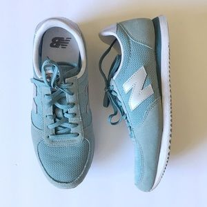 New Balance Turquoise & Silver Sneakers